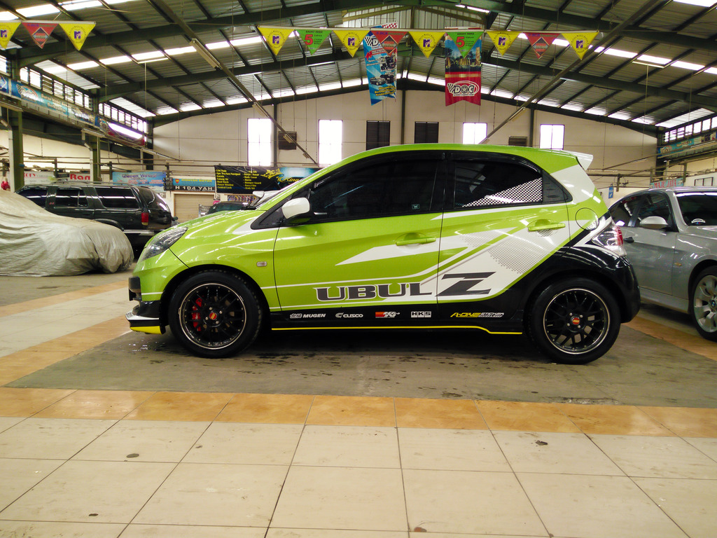 Car design sticker rally - Bagikan Ini